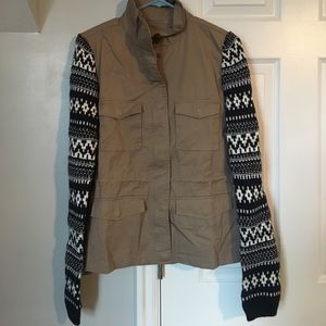Gorgeous khaki and navy Aztec sleeve jacket
