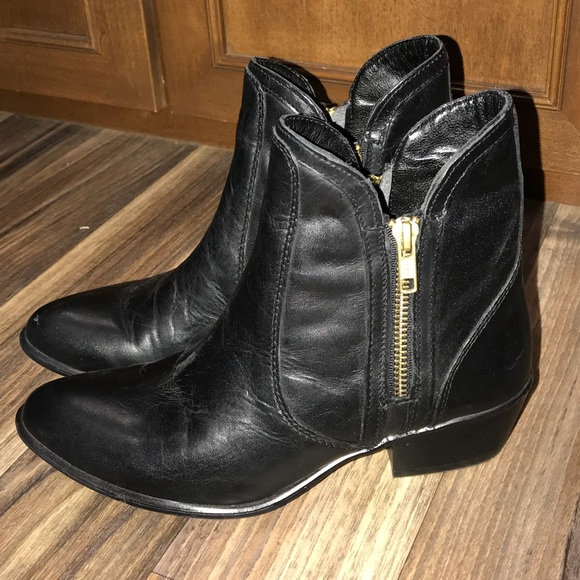 Steve Madden Black Leather Booties Shoes Size 6.5