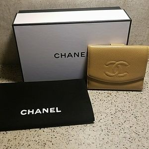 Chanel Caviar Timeless CC Compact French Wallet