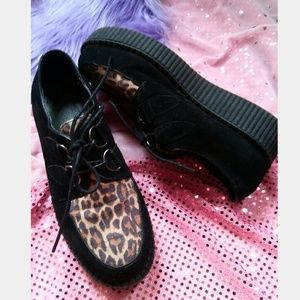 Used Size 8 1/2 Leopard Black Platform Creepers
