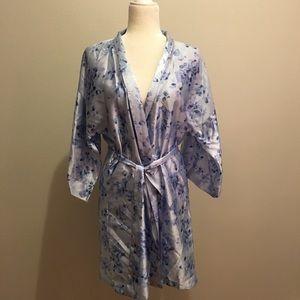Vintage Blue Floral Satiny Kimono Robe