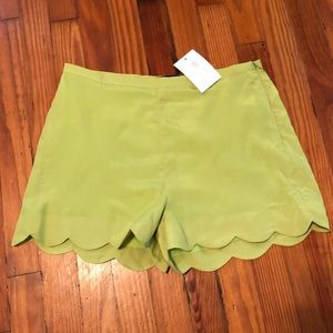 Lime green scalloped shorts, size L, NWT