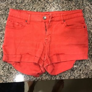 Mid Rise Alexa Shorts Faded Red