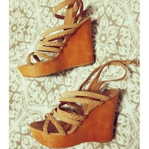 🌼 Modcloth tan wedges 🌼