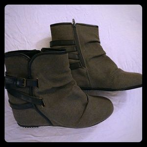 Wedge boots, never worn!