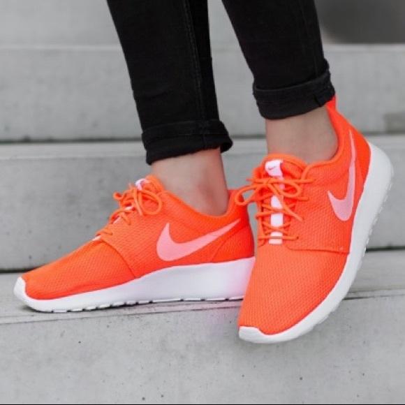 10643d2eff73 Women s Nike Roshe One