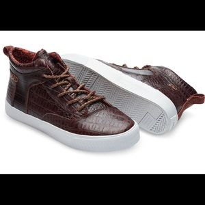 New! Toms Leather high top sneakers