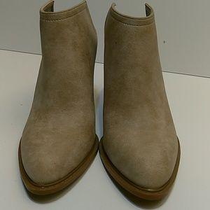 Women's Shoe Dazzle Booties
