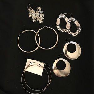 Jewelry - 💋Earrings lot💋