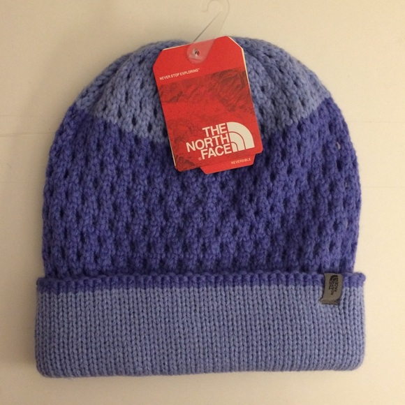7d4ac1690 NWT The North Face women's winter hat NWT