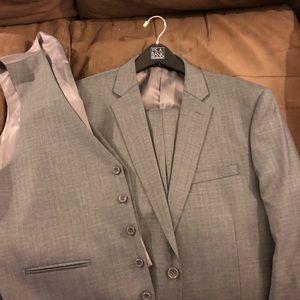 Caravelli Grey & Navy Plaid 3 Piece Suit 42L Long