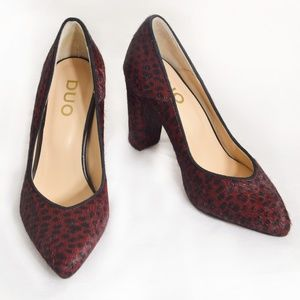 NEW DUO Burgundy & Black Pony Hair Pointed Pumps