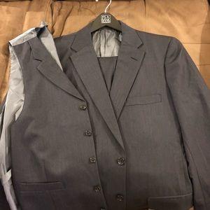 Tom James Navy Herringbone 3 Piece Suit 40R