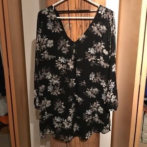 ASTR Black Floral Shift Dress Size Small