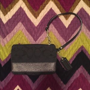 Coach Two-toned Black Wristlet w/Hangtag