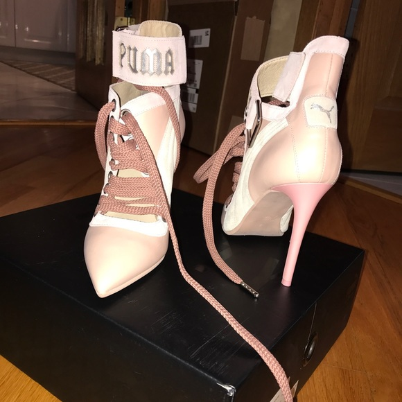 100% authentic 237e4 a755b FENTY PUMA by Rihanna Lace-Up Sneaker Pump NWT