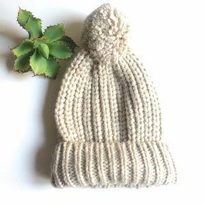 Gap Cream Taupe Chunky Knit Pom Pom Beanie Hat