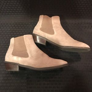14th & Union Suede Chelsea Bootie Grey Size 8.5