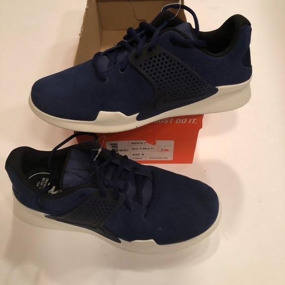 quality design 2c539 cc712 New Men s Nike Arrowz Sample. Smoke free house