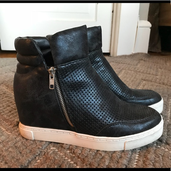 f5d42c3e541 Steve Madden Linqsp Black Wedge Sneakers Sz 10