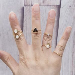 Jewelry - New Item✨ 5 piece Gold Midi Ring Set 😍✨