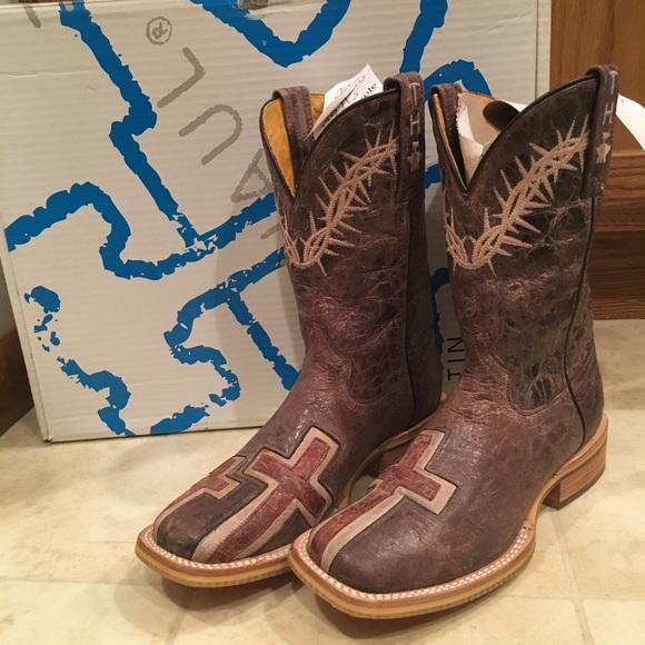 74d8febbf6a Women s cowboy boots. NWT. Tin Haul