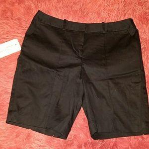 Petite modern fit Bermuda slack shorts size 4P NWT