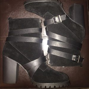 Brand New Shoe Dazzle