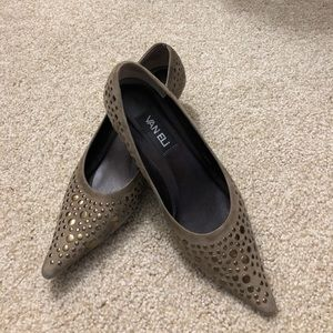 """Vaneli Taupe Suede Leather 2"""" Heels Size 8M"""