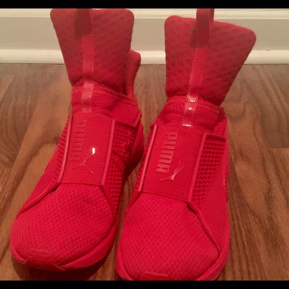 check out 4a087 cd1c3 Rihanna Fenty Puma Trainers Red Size 10 Women