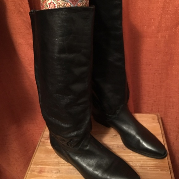 d0223457ec36c Naturalizer Black leather slouch boot size 6.5
