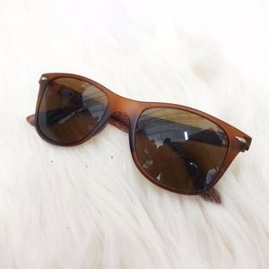 "Accessories - ""Wood"" Arm Sunglasses"