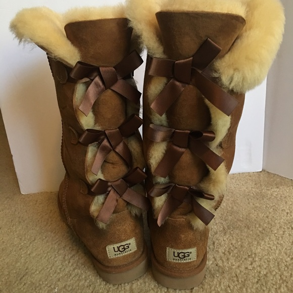 b35d4aca15f Used Women's UGG Bailey Bow Tall, Size 9