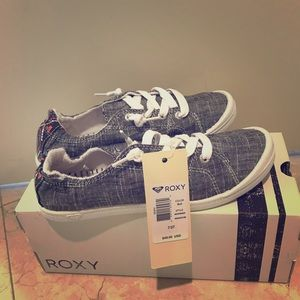 Roxy Rory sneaker black and white  Size 7