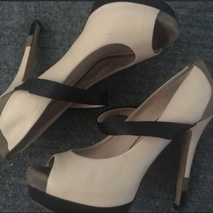 Super cute Jessica Simpson heels