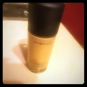 Other - Bnib MAC studio fix spf 15 NC30 fluid