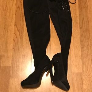 Over the knee suede type boots