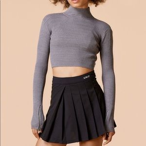 ISO-- UNIF Ara Top in gray and also black
