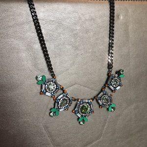 Jewelry - Glittering Statement necklace