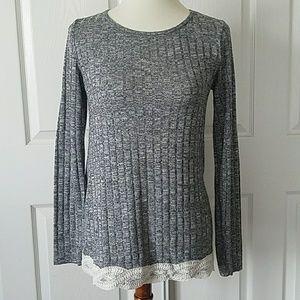 🚚 Xhilaration Grey Knit Lace Trim Sweater Tunic S