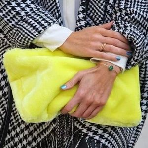 💛 NWOT Zara furry bag