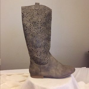 Women's size 6.5 Taupe Cut Out Riding Boots