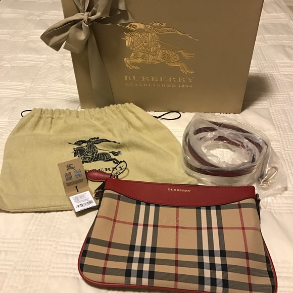 fccabf492d60 Burberry Horseferry Check Peyton clutch