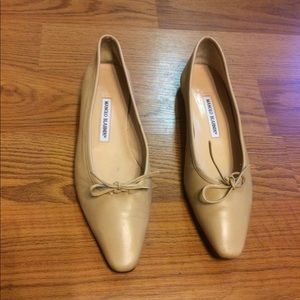 Manolo Blahnik BB Leather Beige Point Toe Flats