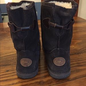 Emu fur lined boots