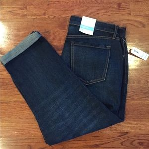 🆕 Old Navy Boyfriend Cropped Jeans