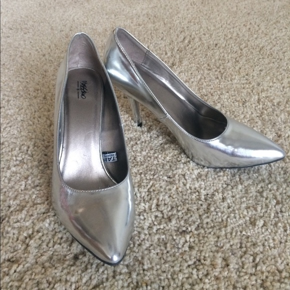 ec39ddc9096 Mossimo silver heels size 8 (target brand). M 5a0a124eb4188ed30b1806f8