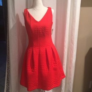 NWT Taylor Red VNeck Textured Knit Pleated Dress