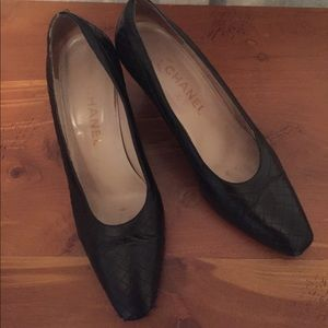 Authentic Vintage Chanel quilted leather pumps