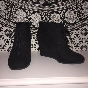 ❗️Sold ❗️Suede Wedge Ankle Boots